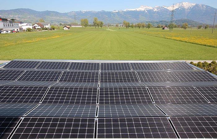Schweizer Saunabau mit Solarstrom