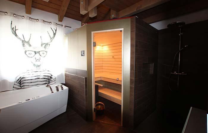 Sauna mit Liegefläche auf dem Dach