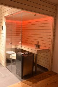 Sauna mit Glasfont -Ging Saunabau AG