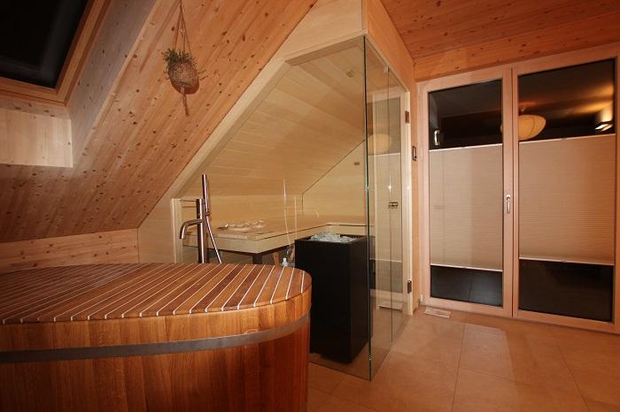 Sauna mit Dachschräge - Ging Saunabau AG